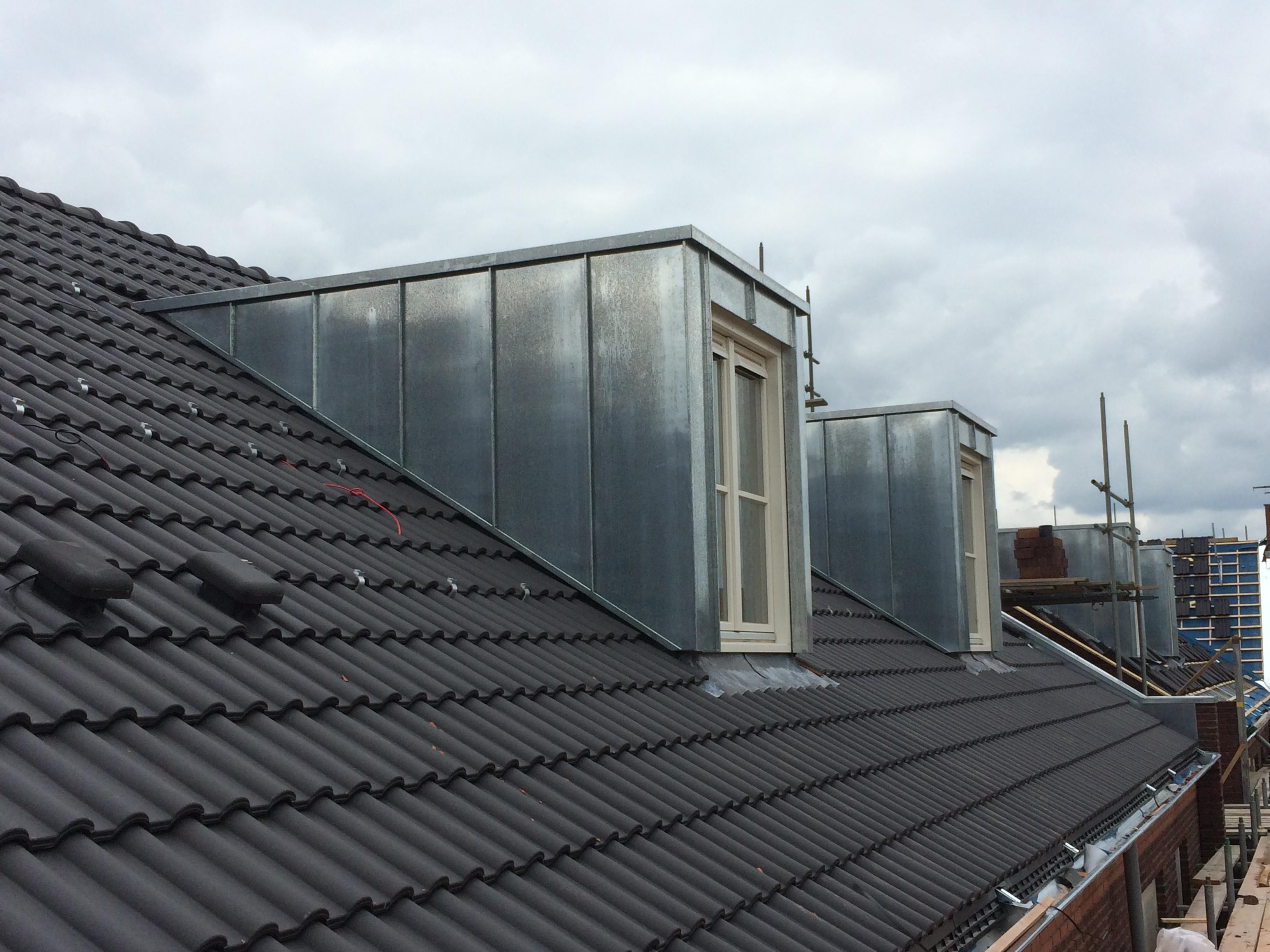 Zowel voor onderhoud, reparatie of renovatie van uw dak kunt u bij ons terecht.